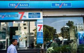 Yes Bank books loss of Rs 1,506 cr in Q4- India TV