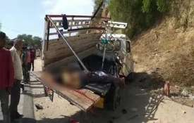 11 people killed in Massive road accident in anand of Gujarat- India TV