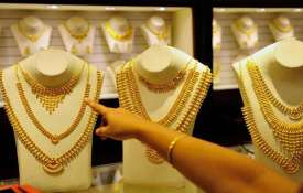 Gold rises for 2nd day, surges Rs 150 to Rs 33,020- India TV