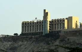 पाक प्रधानमंत्री इमरान खान ने ग्वादर होटल हमले की निंदा की- India TV