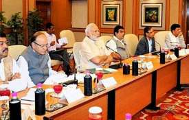 PM Modi meets top bureaucrats of key ministries- India TV