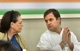 <p>sonia gandhi and rahul...- India TV