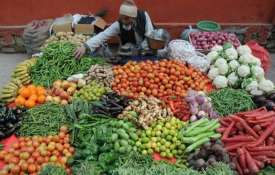 Retail inflation inches up to 2.92 pc in Apr, may rise to 4% in FY20 - India TV