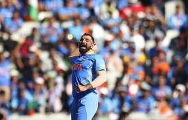 भारतीय गेंदबाज मोहम्मद शमी के खिलाफ जारी हुआ अरेस्ट वॉरंट, 15 दिन के अंदर करें सरेंडर- India TV