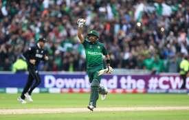 कप्तान बनने का इच्छुक नहीं पाकिस्तान का ये सबसे धाकड़ बल्लेबाज- India TV