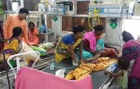 बिहार में रहस्यमयी चमकी बुखार से अब तक 56 बच्चों की मौत, अस्पतालों में इमरजेंसी जैसे हालात- India TV