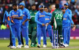 विश्व कप 2019: भारत ने वर्ल्ड कप में पाकिस्तान को सातवीं बार रौंदा, रोहित शर्मा ने जमाया तूफानी शतक- India TV