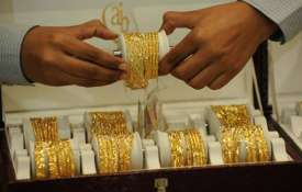 Gold rises Rs 75 to Rs 33,195 per 10 gram on local buying- India TV