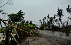 How to survive in cyclone?- India TV