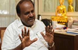 Karnataka Chief Minister H D Kumaraswamy loses cool as power station workers block convoy- India TV