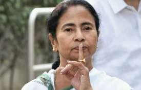 अकड़ में ममता, 'आईसीयू' में बंगाल; 600 से ज्यादा डॉक्टरों का इस्तीफा- India TV