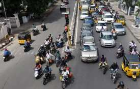 Govt approves Motor Bill, steep penalties for traffic offences proposed - India TV