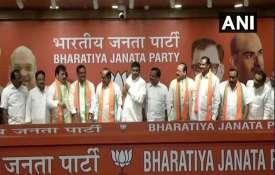 Delhi: TDP leaders E Peddi Reddy, Bode Janardhan and Suresh Reddy & Congress leaders Shashidhar Redd- India TV