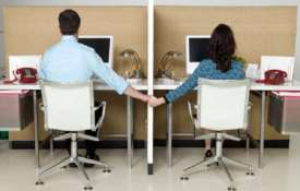 Office romance: Experts warn against conflict of interest- India TV