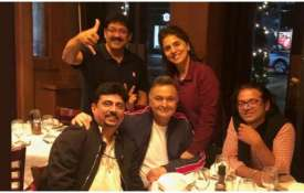 Rishi kapoor with 102 not out team- India TV