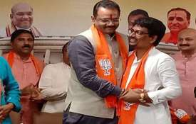 Alpesh Thakor and Dhaval Singh joins BJP on Thursday- India TV