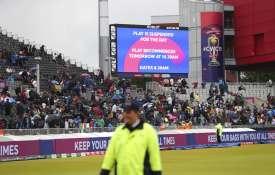 भारत बनाम न्यूजीलैंड: बारिश की वजह से रिजर्व डे में होगा बचा हुआ खेल, पहले दिन भारतीय गेंदबाजों ने न- India TV