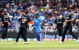 विश्व कप 2019 सेमीफाइनल: संकट में भारतीय टीम, रोहित, कोहली, राहुल के बाद दिनेश कार्तिक भी आउट- India TV