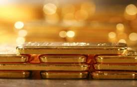 Gold falls Rs 250 on muted demand, weak global cues- India TV