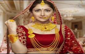 Gold nears Rs 36,000 mark, silver jumps Rs 935- India TV