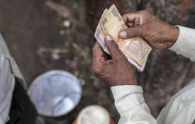 Rupee falls 11 paise to 68.82 vs USD on foreign fund outflows- India TV