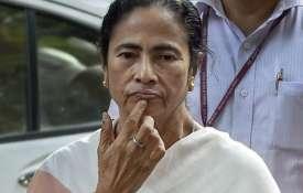 'कट मनी' पर बुरी तरह फंस गईं ममता, गांववालों ने की तृणमूल कांग्रेस के नेता की पिटाई- India TV