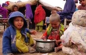खुलासा, भुखमरी के कगार पर पाकिस्तान; 50 फीसदी से अधिक परिवारों के लिए दो वक्त की रोटी नहीं- India TV