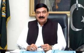 Eggs thrown and punches blown at Pakistani Minister Sheikh Rasheed Ahmad in London | Facebook- India TV
