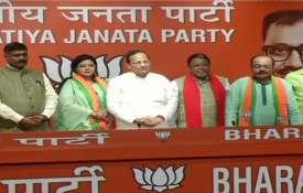 Delhi: TMC MLA Sovan Chatterjee joins Bharatiya Janata Party in presence of BJP leader Mukul Roy- India TV