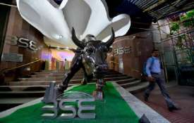 stock market on 23 August bse Sensex slumps nearly 370 points, 100 points fall in nse Nifty - India TV
