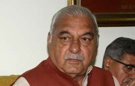 Bhupinder Singh Hooda announces Rs 5000 old age pension on becoming congress government in Haryana- India TV