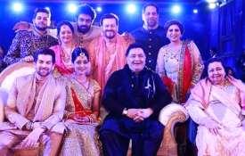 नील नितिन मुकेश की शादी में पूरे परिवार के साथ ऋषि कपूर- India TV