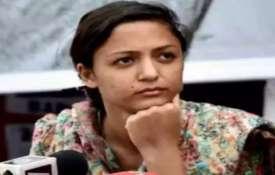 शेहला रशीद पर देशद्रोह का मामला दर्ज, सेना को लेकर झूठी खबर फैलाने का आरोप- India TV