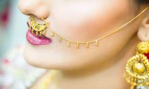 दिसंबर में 1000 रुपए सस्ता हुआ सोना, मंगलवार को चांदी के सिक्कों की कीमत भी 1000 रुपए घटी