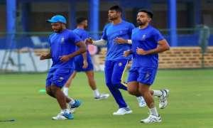 IPL-2018: फ़ोटो में देखिए कैसे टीमें 11वें सीज़न के लिए बहा रही हैं पसीना