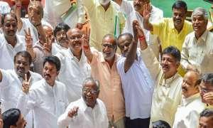 कर्नाटक: नहीं थमी 'रिजॉर्ट राजनीति', 15 मई से होटल में ही हैं कांग्रेस-JDS विधायक, ये है वजह