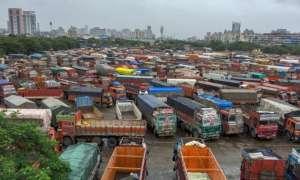 देशभर में जारी ट्रांसपोर्ट हड़ताल का आज दूसरा दिन, मुंबई में स्कूल बसों के कारण छात्रों को हो रही है परेशानी