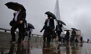 Monsoon Tips: पुरुषों को दिखना है स्मार्ट और स्टाइलिश तो इन बातों का रखें ख्याल