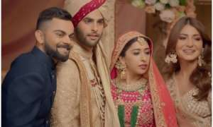 अनुष्का शर्मा और विराट कोहली ने मारे एक-दूसरे को ताने, दूल्हे को कहा 'क्यों कर रहा है शादी?' देखें वीडियो