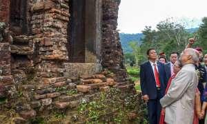 वियतनाम में सैकड़ों साल पुराने हिंदू मंदिर गए राष्ट्रपति रामनाथ कोविंद, देखें खूबसूरत तस्वीरें
