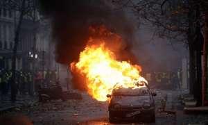 पेरिस: हिंसक हुआ पेट्रोल, डीजल की बढ़ी कीमतों के विरोध में प्रदर्शन, 288 गिरफ्तार
