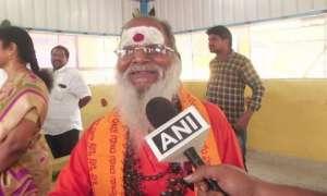 73 साल के बुजुर्ग भिखारी ने किया कमाल, भीख मांगकर मंदिर में दान किए 8 लाख रुपए