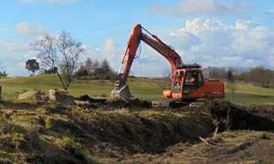 बुंदेलखंड एक्सप्रेसवे के लिए किसानों के खेत से जबरन निकाली मिट्टी, DM बोले- मामला संज्ञान में नहीं