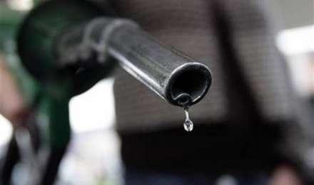 पेट्रोल का दाम डेढ़ महीने के निचले स्तर पर, कच्चे तेल की कीमतें घटने का असर