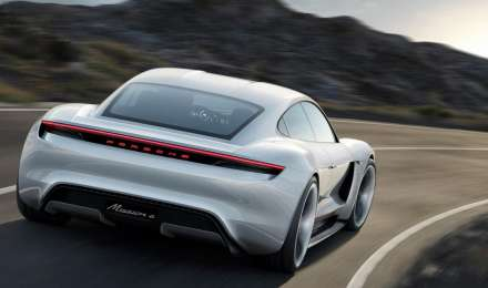 पोर्श 2020 तक लॉन्च करेगी भारत में अपनी इलेक्ट्रिक कार, 2017 में बेचे हैं 434 वाहन