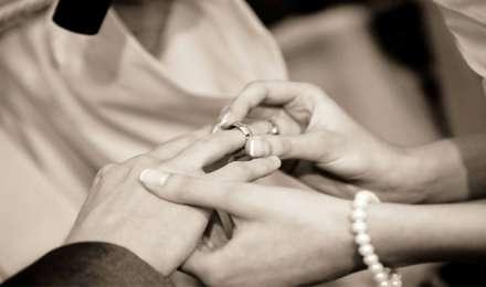 सगाई से लेकर शादी तक कपल को रखना चाहिए इन बातों का ख्याल, हो सकती प्रॉब्लम