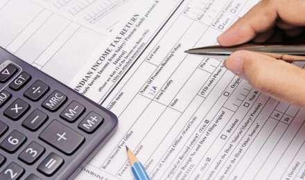1 अप्रैल से बदल रहे हैं इनकम टैक्स से जुड़े ये नियम, जानिए कहां होगा फायदा और कहां कटेगी जेब