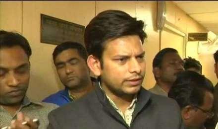 दिल्ली सरकार के मुख्य सचिव से मारपीट का मामला, AAP विधायक को हिरासत में लिया गया