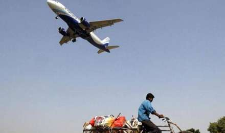 उड़ान योजना से सरकार को मिलेंगे हर साल 300 करोड़ रुपए, प्रमुख एयरलाइंस को देना होता है प्रति प्रस्थान 5,000 रुपए शुल्क