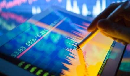 Market Live: रिलायंस के नतीजों से पहले बाजार में तेजी, सेंसेक्स 250 अंक और निफ्टी में 70 अंकों की तेजी